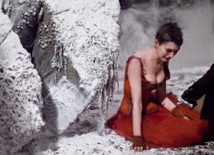 anna_hathaway_les_miserables_universal