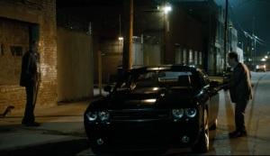 Val i Doc kradną samochód Dodge Challanger Twardziele Lionsgate 2013