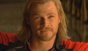 Chris Hemsworth gra Thora, silnego i dobrodusznego. Thor - Marvel Paramount 2011