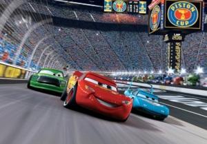 Zygzak McQueen jest buńczucznym młodzieniaszkiem ścigającym się o puchar Złotego Tłoka. The Lighting McQueen - Auta - Cars 2006 - Disney